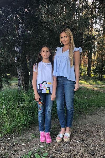 Дана делает все, чтобы ее дочь была счастлива