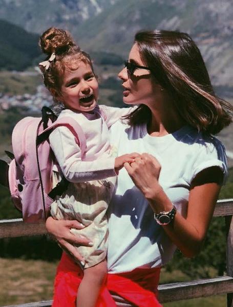 Топурия с дочерью Оливией