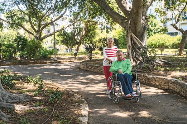 Деньги на дорогостоящее лечение и жизнь в Израиле собрали друзья