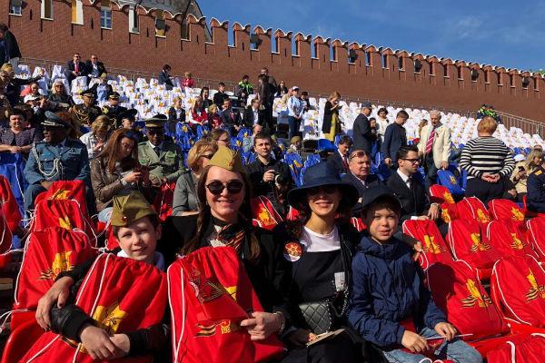 Татьяна Лютаева и Екатерина Климова с детьми