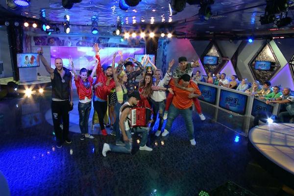 Участники подготовили праздничный выпуск шоу