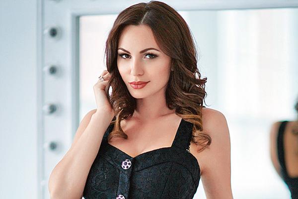 Инна Жиркова выступает за яркие галстуки