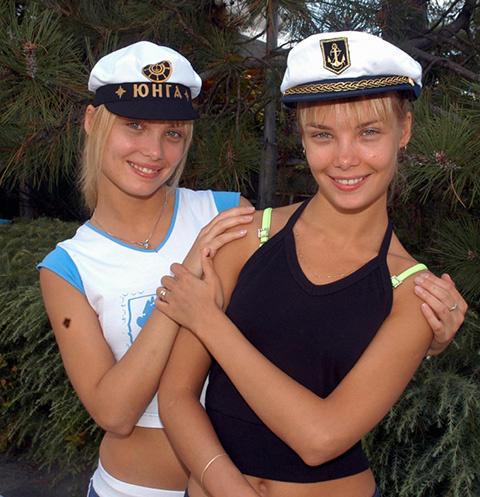 Личные жизни звездных сестер оказались на редкость похожи.