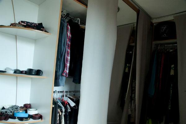 в доме есть большая гардеробная