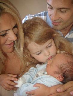 Виктория и Антон Макарские с дочерью Машей и сыном Ваней