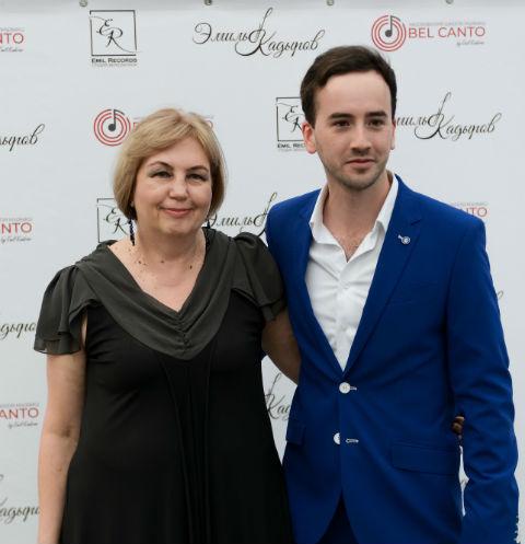 Эмиль Кадыров с мамой