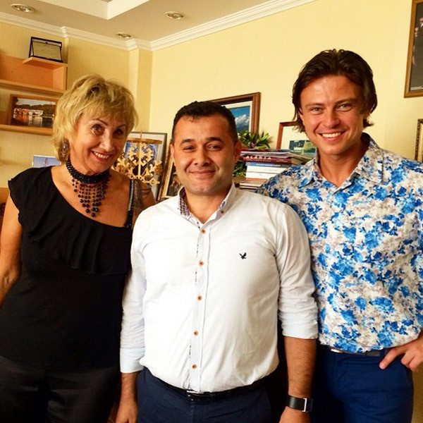 Лариса и Прохор на встрече с мэром Алании
