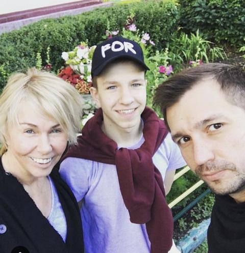 Ксения с семьей