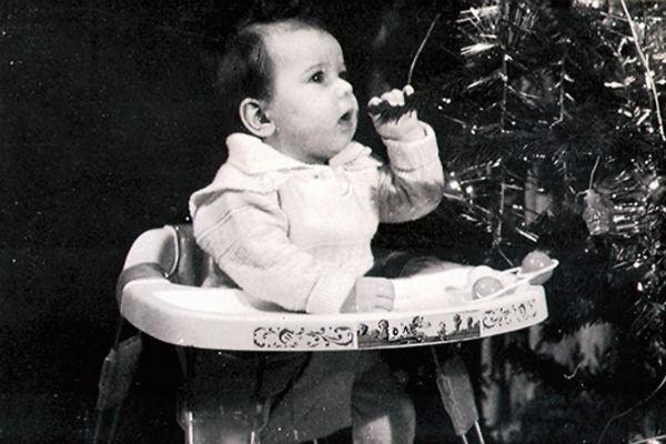 Лиза выросла в музыкальной семье: отец коллекционировал джазовые пластинки, а мама играла на трех инструментах