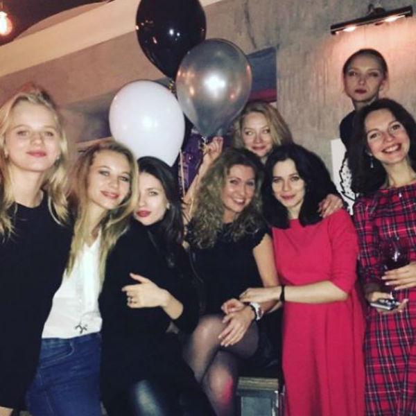 Юлия Снигирь родила ребенка Евгению Циганову