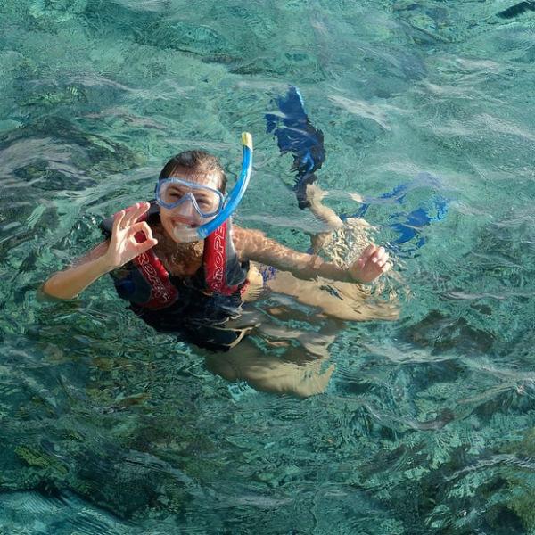 Певице жаль, что беременным запрещено погружаться на дно океана