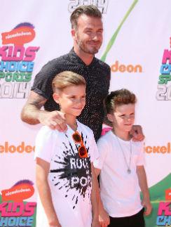Дэвид Бекхэм с сыновьями Ромео и Крузом