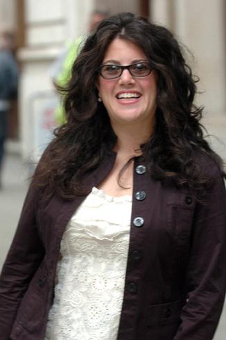 Снимок относится к 2005 году , когда Моника решила заняться образованием и отправилась учиться в Лондонскую школу экономики