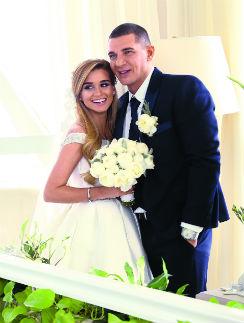 Перед свадьбой Ксения и Курбан сделали фото на память в ресторане «Романтик»