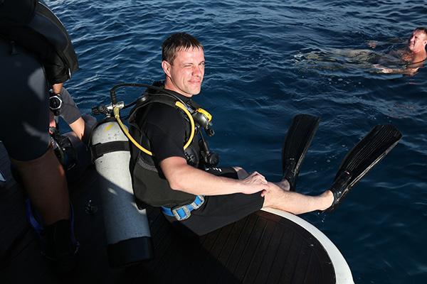 Алексей Шторк,  нефтяник из Урая,  впервые опустился  под воду