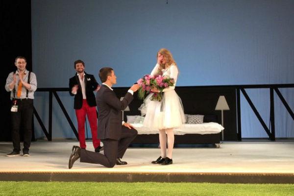 Петришин сделал Ходченковой предложение прямо на сцене