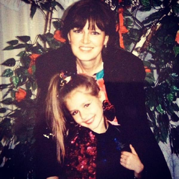 Маша с мамой