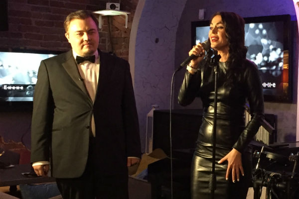 На свидании Таня Терешина спела для Романа