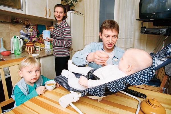 В браке с Любовью Ельцовой у актера родилось двое детей