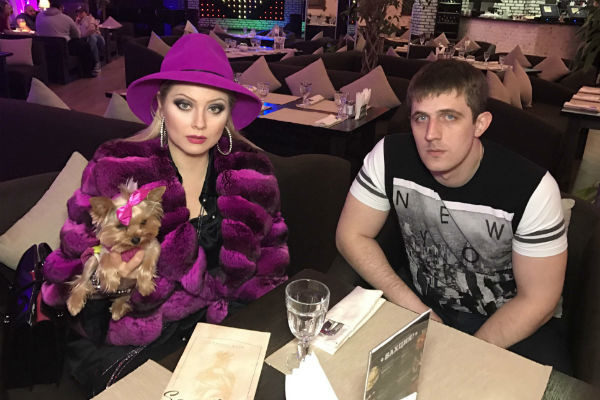 Лена Ленина с братом Василия Максимом