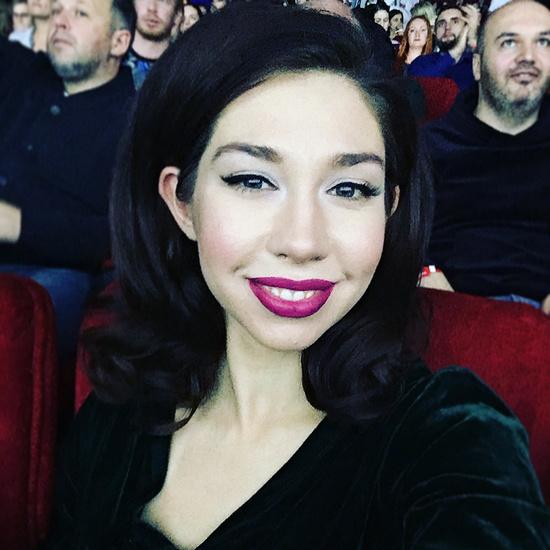 В сериале «Ольга» Алина Алексеева сыграла роль Лены, сестры героини Яны Трояновой
