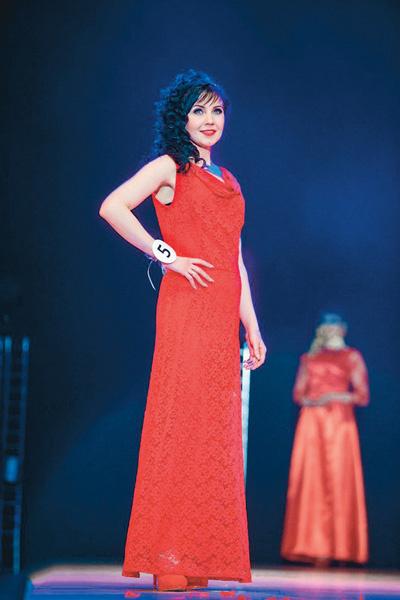 На конкурсе Мария выиграла в двух номинациях – «Миссис доброе сердце» и «Миссис золотой голос проекта»