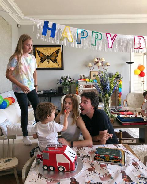 Наталья счастлива с мужем и воспитывает детей вдали от скандалов, ссор и критики других