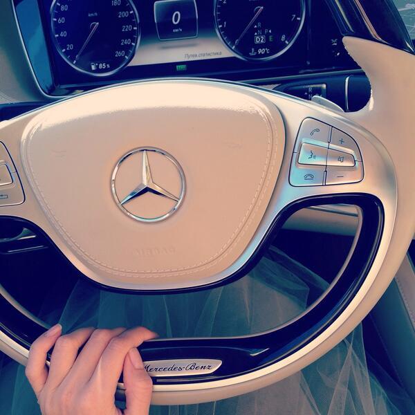 Вера за рулем нового автомобиля