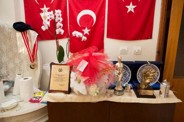 У Гульсум много наград от общественных организаций, которые отметили ее поступок