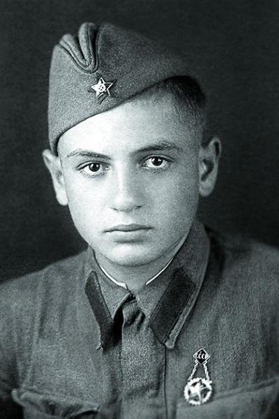 Отец Олега Басилашвили