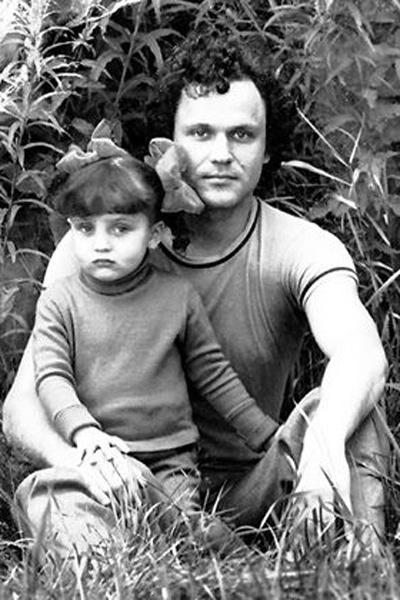 Николай Николаевич с дочкой Олей