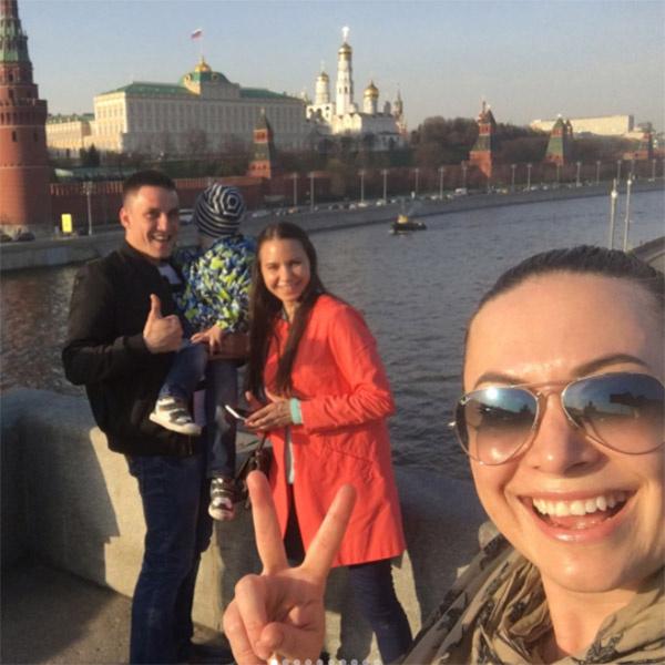 Наталья Фриске рада встрече с близкими