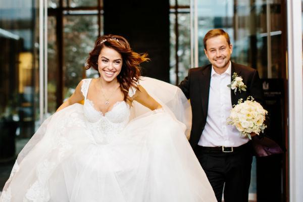 После регистрации брака супругу улетели в свадебное путешествие