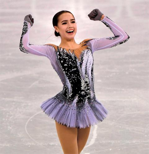 За победу на Олимпиаде Алина получила в награду 13 млн рублей и внедорожник BMW