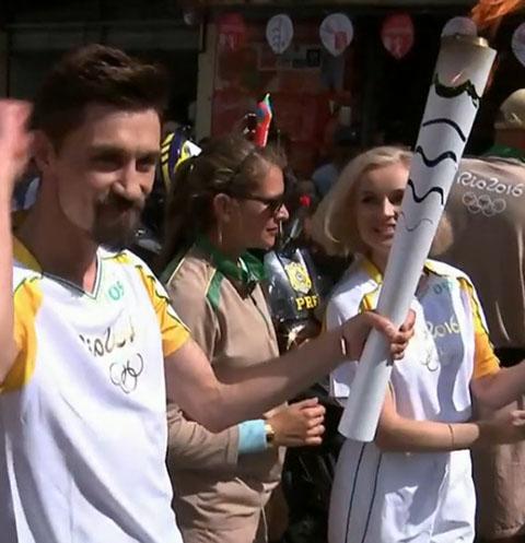 Полина Гагарина и Дима Билан приняли участие в эстафете олимпийского огня