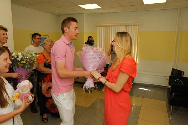 Андрей первым поздравил любимую с рождением дочки