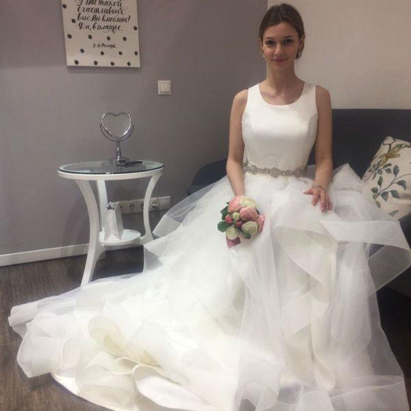 Подвенечный наряд невеста выбирала несколько дней