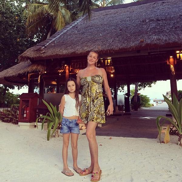 Анастасия Волочкова отдыхает с дочкой на Мальдивах