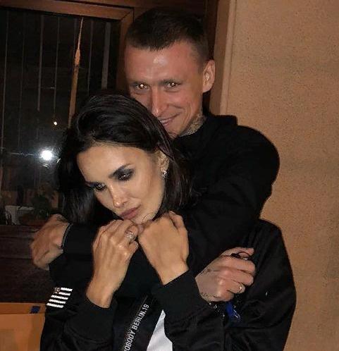 Неизвестный угрожает жене Павла Мамаева публикацией ее интимных видео