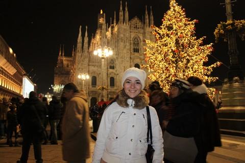 Светлана на площади  Duomo di Milano (Кафедральный собор в Милане)