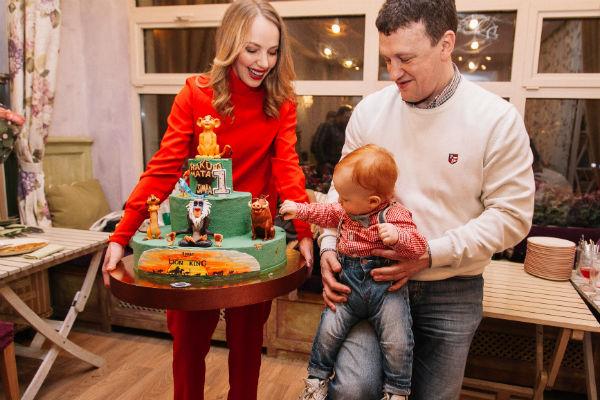 Счастливые родители задолго до дня рождения сына готовились к празднику