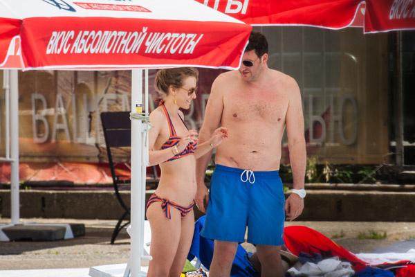 На «Кинотавре» супруги  продемонстрировали, что  оба находятся в хорошей  форме. Сочи, июнь 2013  года