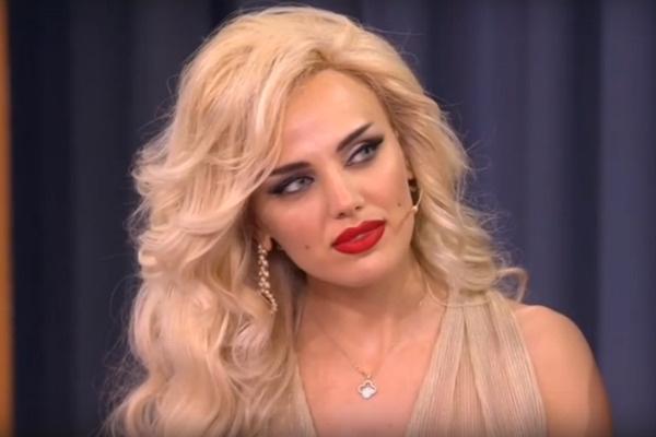 Лили намерена переехать в Россию из-за негативного отношения к ее яркой внешности