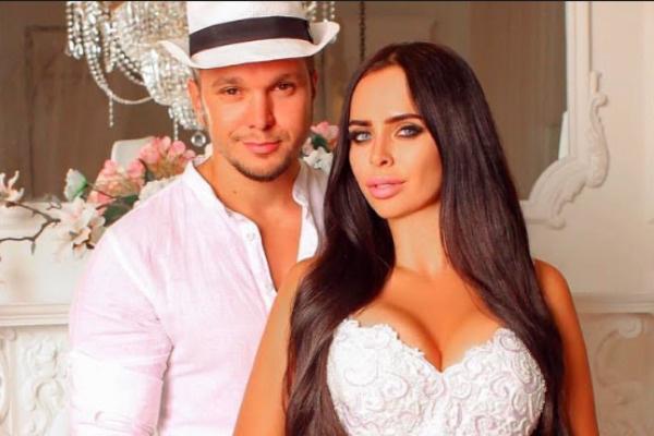 В прошлом году Виктория и Антон поженились