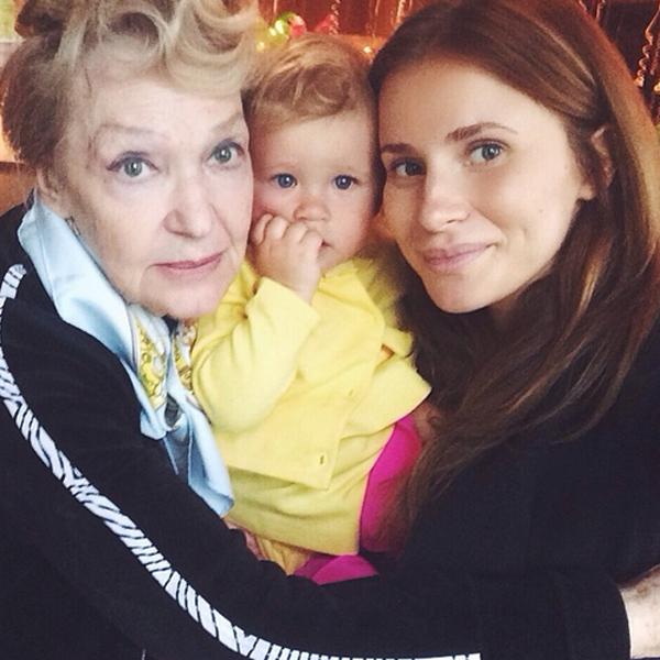 Ирина Скобцева и Тата Бондарчук с дочерью Маргаритой
