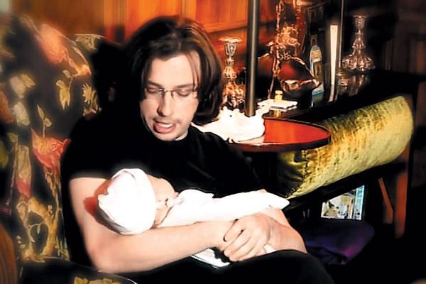 Все свободное время Максим старается посвящать детям. На фото – с Гарри