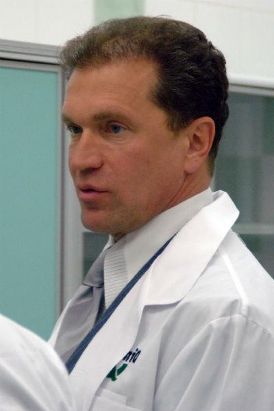 Дмитрий Буряк долгие годы казался окружающим примерным семьянином