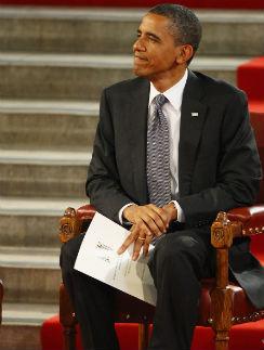 Президент США оказался горячим поклонником Энн Хэтэуэй