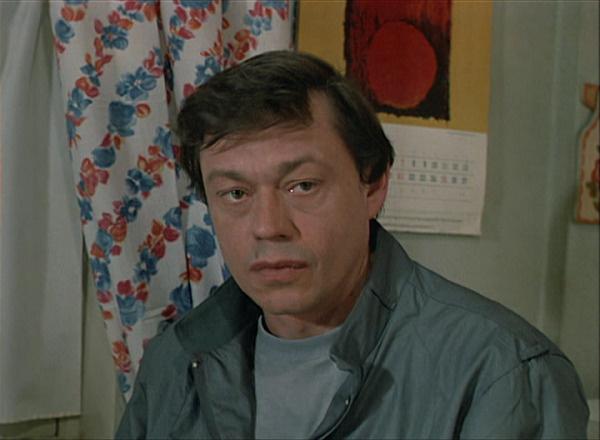 Актер в роли капитана милиции Муханова