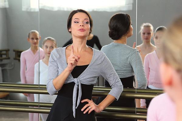 В сериале «Фамильные ценности» актриса исполнила главную роль примы-балерины